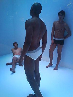English: Male models wearing underwear 中文: 內衣模特兒